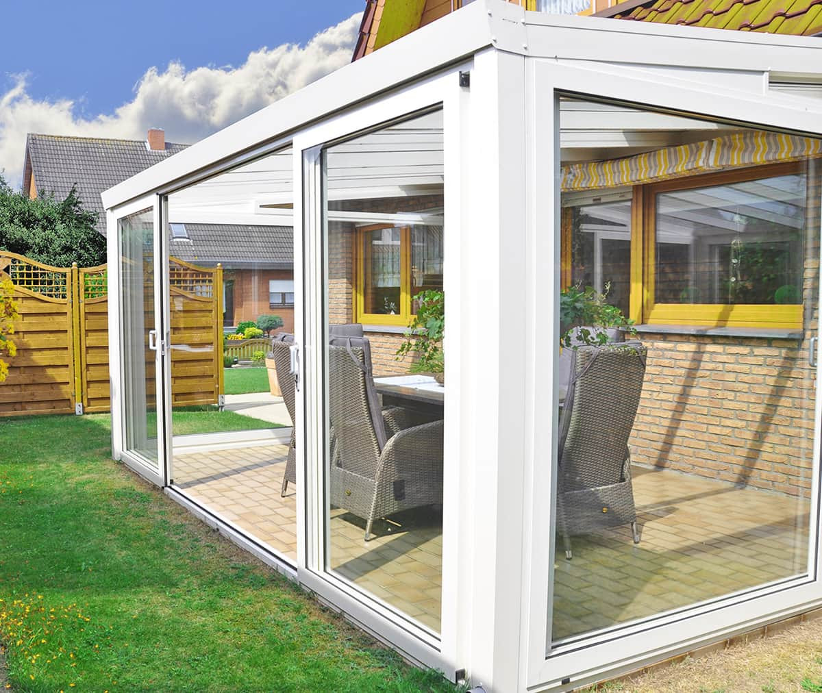 Véranda aluminium toiture verre VISION (Double-porte coulissante)