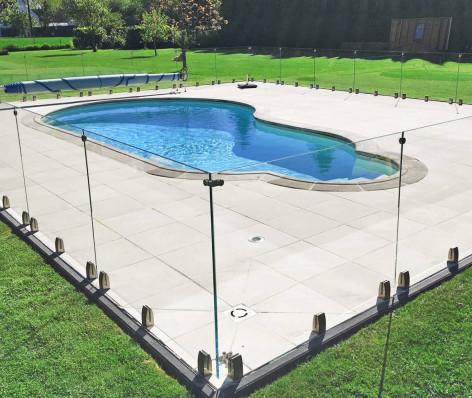 Clôture piscine verre aluminium TESIS